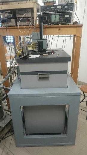 MPMS XL with pressure cell option at the Istituto dei Materiali per l'Elettronica ed il Magnetismo, Parma, IT (IMEM-CNR)