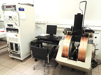VSM at the Universite de Lorraine. Automated angular rotation and oven heating to 650°C.